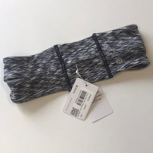 NWT lululemon cross chill ear warmer